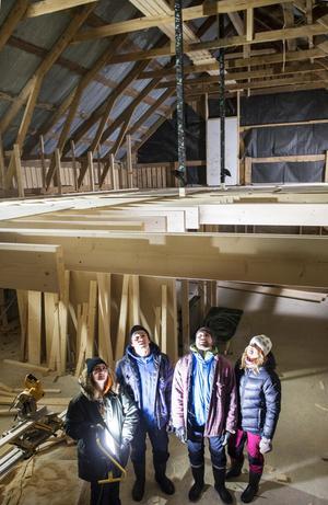Vardagsrummet på nedervåningen kommer att ha en svindlande takhöjd på över sju meter till nock.