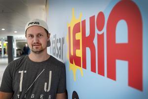 28-årige Emil Karström startade leksaksaffär i Birsta city.