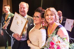 Björks Buss Alan Björk, Årets företagare 2018, Tiina Magnusson, Ordförande i Företagarna i Västerås samt Malin Wagerman, dotter till Alan tillika vd för Björks Buss sedan 2016.