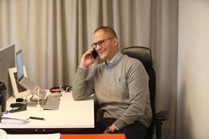 Andreas Ersson är kontorschef på Fastighetsbyrån i Södertälje. Fastighetsbyrån blev i år utsedd till Årets företagare på Södertäljegalan.