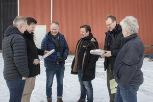 Kent Jonsson, Niklas Näslund, Jörgen Sommar, Håkan Teodorsson (från PDL Courts som kommer att leverera banorna), Ulf Bäckström och Kjell Eriksson.
