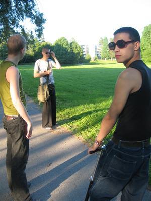 Johnny Svärdefalk, Sebastian Wennlund och Tobias Bellman back in the days. LG2S gav även ut ett fanzine: Apfelzine. Ett av numren från 2005 finansierades av Gävle kommuns kultur- och fritidsförvaltning.
