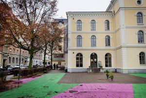 I väntan på ny ombyggnation. Snart förvandlas Teaterplan, där Rosengrens skafferi ligger, till en byggarbetsplats.