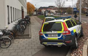 Under onsdagen kallades polis till Hagströmska gymnasiet sedan två elever vid skolan ska ha blivit misshandlade.