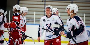 Conny Strömberg hade kanske sin värsta hockeyupplevelse när Sura kollapsade totalt.