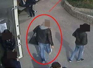 18-åringen utsattes själv för hot och våld på möte med den 20-årige utpressaren och dennes kompis. Foto: Skolans övervakningskamera