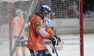 Andreas Westh och övriga i Bollnäs är lite slitna efter ett tufft matchande den senaste tiden. Det tog en halvlek att få fart på lagmaskinen hemma mot Frillesås.