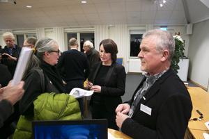 Åke Sjöberg berättar att det kommer dra ut lite på tiden med så många synpunkter som ska bemötas.