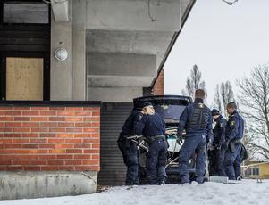 En bil har tagits i beslag efter den misstänkta kopparstölden. Foto: Niklas Hagman