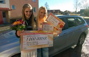 Annas dröm var att köpa en ny bil. Nu fick hon en utöver lotterivinster på 1,2 miljoner av Magdalena Graf och postkodlotteriet.