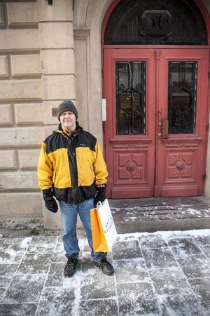 Lennart Hovsgård, 56Bor: Österåsen– Jag joggar och jag har precis varit och köpt nya skor. Sedan lyfter jag lite skivstänger och hantlar. Det blir träning några gånger varje vecka. Träna, det har jag gjort till och från enda sedan jag var 20 år.
