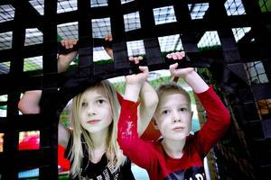 Monessa och Albin Svensson är båda glada för det nya tillskottet på lekmarknaden och ger Sandvikenlandet högsta betyg.