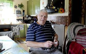 Gösta Åström i Blomhöjden, grannby till Härbergsdalen, hade varit utan telefon i två veckor när LT besökte honom.