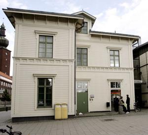 Träffpunkt. Det är ingen nyhet för någon att Västerås central är ett ställe där många missbrukare samlas, skriver Jonas Strandell.