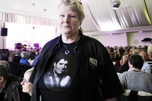 Erja Berggren var den som tog initiativet att bjuda in John Lindberg till en spelning på Elvis Presleys 80 årsdag.