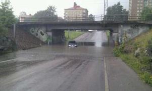 Bil fast vid Nordanby.