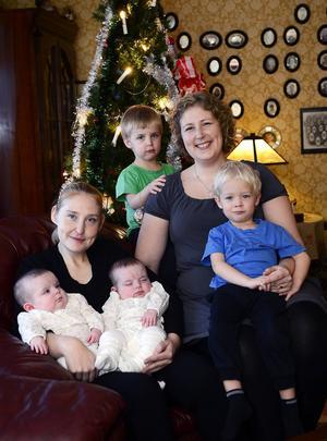 Systrarna hoppas att tvillingarna ska tycka att det är roligt att växa upp med kusiner som även de är tvillingar.