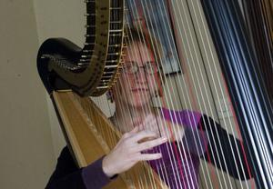 Sofie Jansson kom hem på försommaren, och det gjorde även hennes harpa - direkt från fabriken i Chicago.