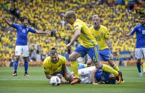 Emil Forsberg, Zlatan Ibrahimovic och John Guidetti hade svårt att skapa något framåt för Sverige.