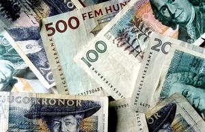 Pengar. De flesta småföretag är beroende av kontanthantering.           Foto: Pawel Flato/SCANPIX
