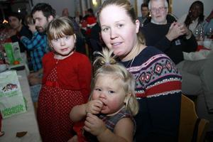 Emma och Märta Costello har flyttat till Nordanstig med mamma Linnea Wiborg.