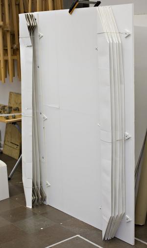 3. Kan enkelt fällas in mot väggen när den inte används.
