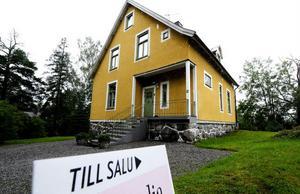 Att köpa ett hus är oftast det största köp man gör under ett liv. Därför är det extra noga att tänka igenom beslutet ordentligt innan.Foto: Pontus Lundahl/SCANPIX