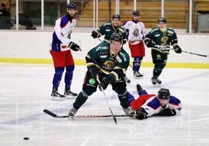 Robin Hellgren och Alfta tog två viktiga poäng när Ludvika slogs med 4–3 efter straffavgörande.