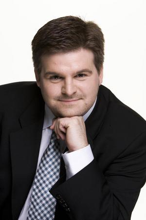 Det gör även hovsångaren Michael Weinius som normalt syns på de stora operascenerna i Europa.