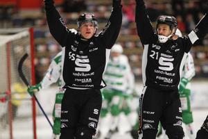 Erik Pettersson och Christoffer Edlund jublar.