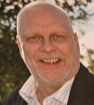 Hos läraren Dagen efter mordet. På fredagen förhördes vittnen om händelserna natten då tommy Johansson mördades.
