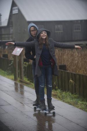 Chloë Grace Moretz som cellisten Mia Hall och Jamie Blackley som rockern Adam Wilde i