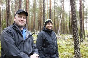Tomas Tjernell och Andreas Lund är glada trots regnväder.