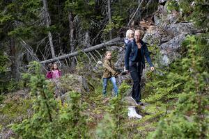 Amanda Olsson, Cornelia Anthony Oscarsson, Saga och Ida Bidevind från Stockholm uppskattade vandringen.