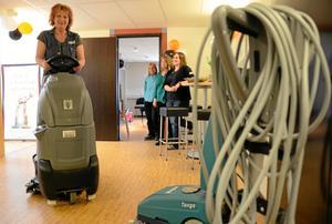 Ett decennium av samarbete. Förra året firades de första tio åren med Bergslagens kommunalteknik, BKT, med ett öppet hus på BKT:s kontor i Nora. Bland annat visades då hur en åkbar kombiskurmaskin fungerar. Nu ska BKT effektiviseras.