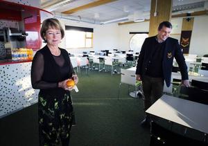 Regeringens kultur- och idrottsminister Lena Adelsohn Liljeroths (M) besökte under måndagen Jämtkraft Arena och ÖFK. Detta för att höra om klubbens satsning på kulturen.