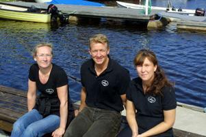 Tre som för cafétradiotionen vidare i Skatan är Eva-Marie Omberg, Pelle Sjöbom och Merie Sjöbom.