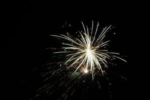 Det nya året firades med sprakande fyrverkerier i Stocka.