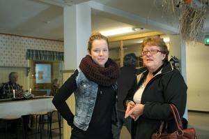 Lovisa Westerlund och Marita Edlund kom och kikade på vad som fanns. Marita gillar tanken på studiecirkeln som ett kravlöst forum där man träffar likasinnade.