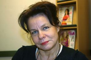Monica Sundin beklagar att deras listade patienter i Gnarp inte kan ta sina prover på hemmaplan före läkarbesöket.