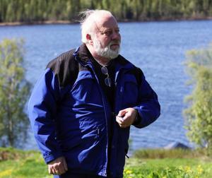 """Örtagården ligger i sluttningen mot Föllingesjön. """"Det är en fantastisk plats"""", säger arrendatorn Gustaf Isaksson."""