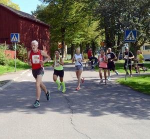 Löpare på väg mot Hönsan.