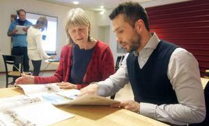 Karin Stensson gillade byggplanerna som Genovas Johan Permansson visade.