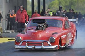De senaste nio åren har Niclas kört Magnus Petersson Chevrolet Coupé från 1951 i Pro mod.