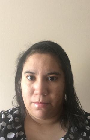 Lianna Martinez i USA översatte nybörjarkursen i Älvdalska så attengelskspråkiga nu kan lära sig älvdalska utan att först lära sig svenska.