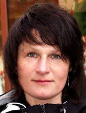 Gunilla Wiklund, 45 år, Gilleråsen:– Nej, jag är emot uranbrytning här. Jag är rädd för att det blir för mycket skador i naturen, och jag är emot kärnkraft.