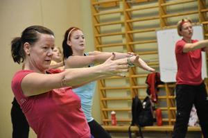 Trogen deltagare. Elisabeth Samuelsson har varit med på zumban sedan den startade hösten 2010. Hon har knappt missat ett enda tillfälle.
