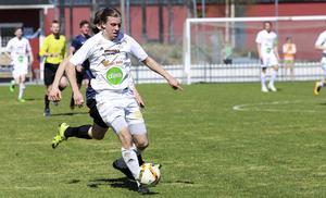 Johan Edberg pallar inte för 90 minuter match, men speltiden räckte till två mål på lördagen.