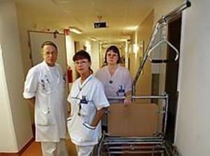 Richard Nightingale, Kerstin Håkansson och Eija Andrén säger att många av deras patienter tillhör de prioriterade grupperna, något som rimmar illa med förslaget till neddragning. Foto: LASSE WIGERT