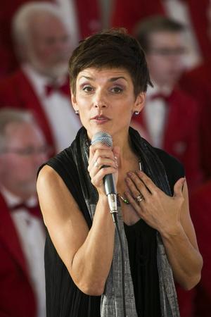 Karolina Johnér Bodesand var gästsolist – och stack ut mest med sin skönsång.